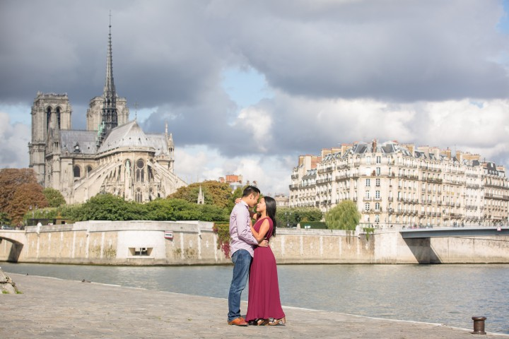 Paris Honeymoon Photographer - Julien LB Photography Paris - Paris Photographer