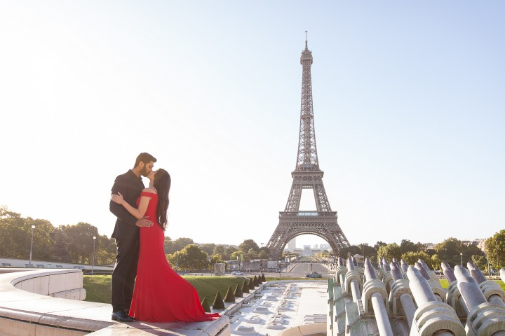 Paris Honeymoon Photography - Paris photographer Julien LB